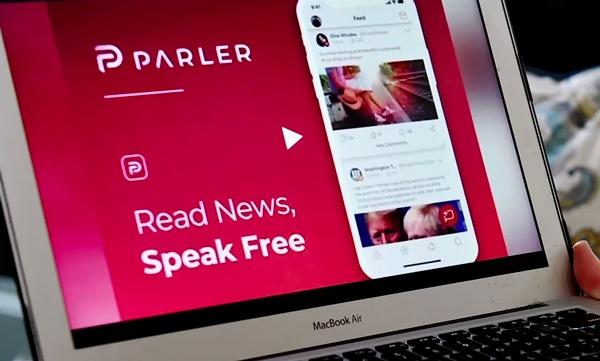 MeWe, Parler, Rumble e Sfero: i nuovi social rischiano di creare abusi, violenza e fake news